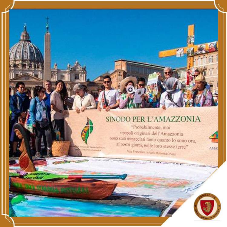 """Obispos, sacerdotes y religiosas participan en """"Vía Crucis Amazónico"""" en el Vaticano"""