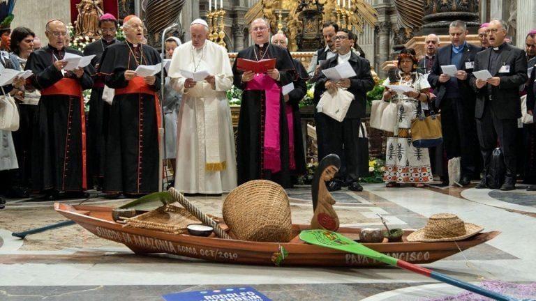 Protesta contra los actos sacrílegos del papa Francisco