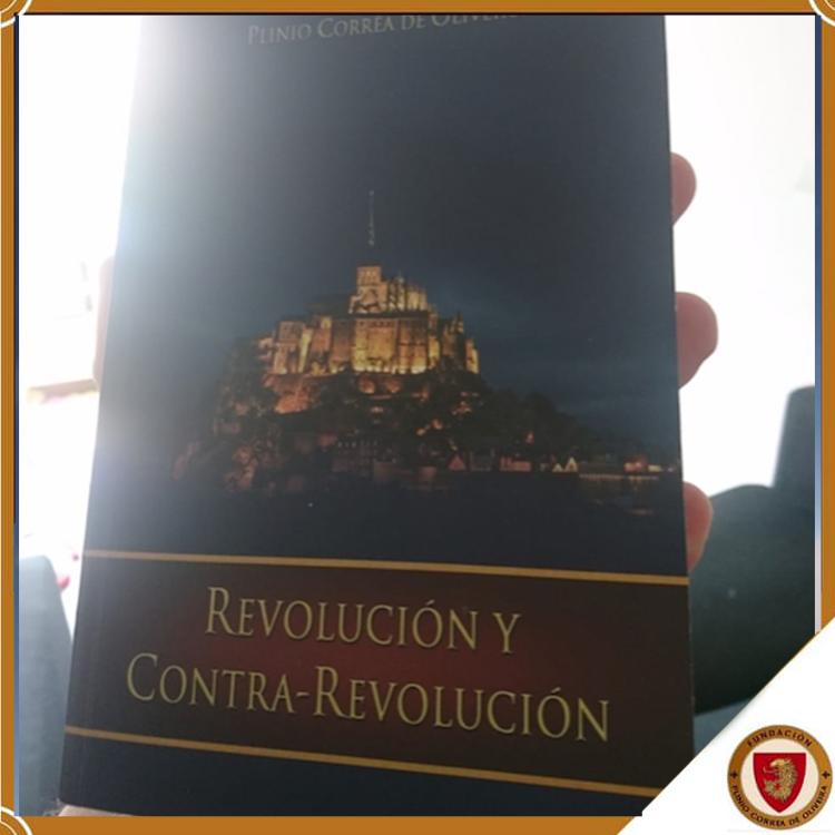Nuestra vocación por Plinio Corrêa de Oliveira.