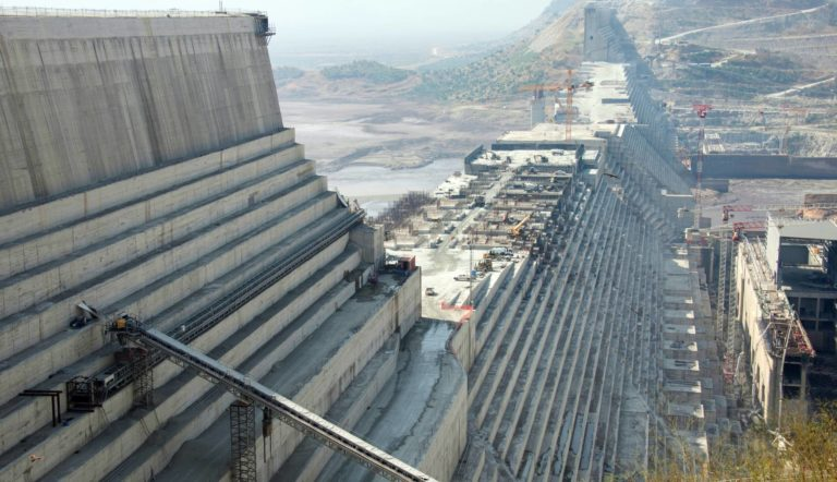 La batalla por la gran presa del Nilo amenaza con desatar una crisis regiona