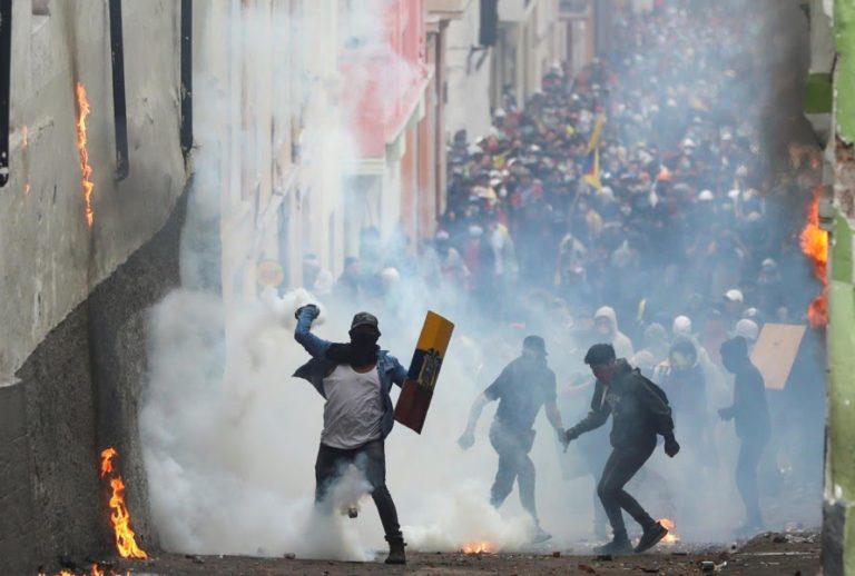 Fuertes disturbios en nueva jornada de protestas en Ecuador